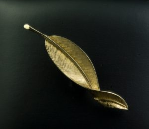 5 Gold Leaf Pin